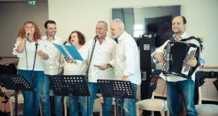 H Pfizer Hellas Band κοντά στους ηλικιωμένους συνανθρώπους μας στην Καλαμάτα
