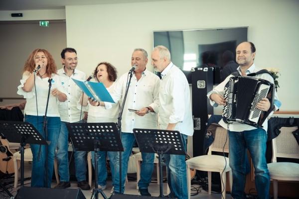 H Pfizer Hellas Band κοντά στους ηλικιωμένους συνανθρώπους μας στην Καλαμάτα 1