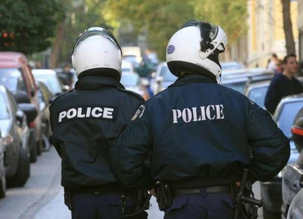 Καλαμάτα: Εξαρθρώθηκε τεράστιο κύκλωμα μαστροπείας – Εμπλέκονται και δύο αστυνομικοί 1