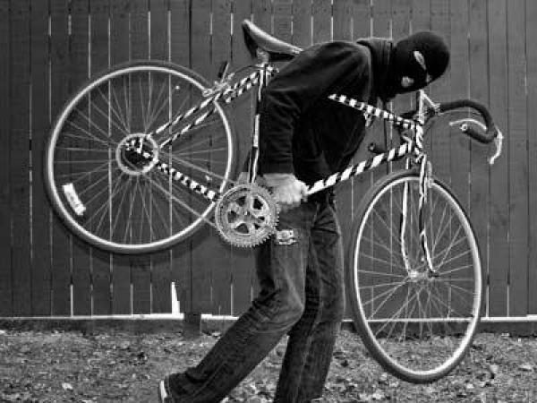 Καλαμάτα: Πιτσιρικάς μαζί με δυο φίλους του, έκλεψαν ποδήλατο. Συνελήφθη ο πατέρας του! 29