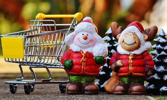 Ωράριο Εορτών 2018: Τρεις Κυριακές ανοιχτά τα καταστήματα 28