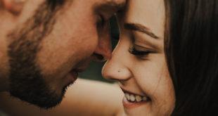 Τη γυναίκα την κερδίζεις, όταν την κάνεις να χαμογελάει