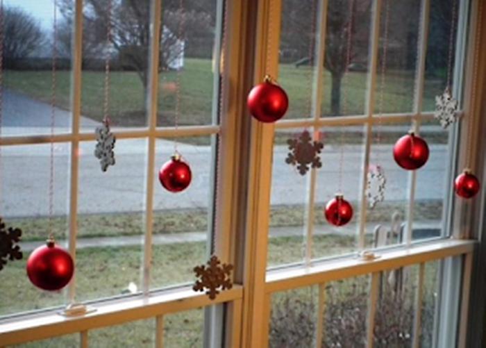 40+ πανέμορφες Χριστουγεννιάτικες ιδέες για τα ΠΑΡΑΘΥΡΑ 26