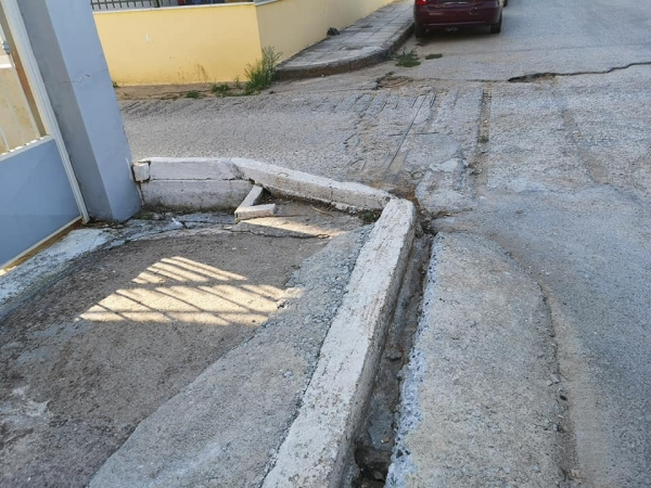 Ακαθάριστο το ρέμα στο Φραγκοπήγαδο - Ανησυχία στους κατοίκους των οδών Γλαύκου και Μπακογιάννη 1