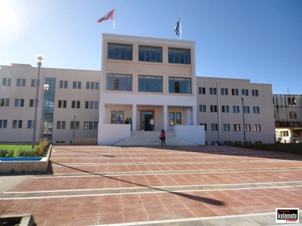 Θεόδωρος Σταυριανόπουλος: Ευρύχωρα πολυσυλλεκτικά ψηφοδέλτια χωρίς «χρίσματα» και κομματικές υποδείξεις. 3