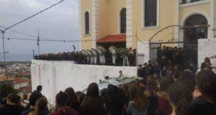 Τροχαίο Μεσσηνίας: Ράγισαν καρδιές στην κηδεία του 15χρονου Νίκου [εικόνες]
