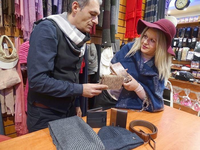 """Οι Αφοί Γιαννακόπουλοι και η Δήμητρα από το κατάστημα """"ΚΑΣΤΟΡΑΣ"""" σας εύχονται καλή χρονιά 2"""