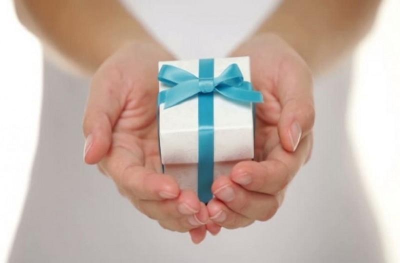Ποιοι γιορτάζουν σήμερα, Δευτέρα 17 Δεκεμβρίου, σύμφωνα με το εορτολόγιο; 1
