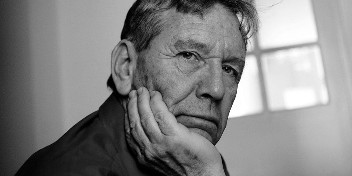 Ανακοίνωση της εταιρείας συγγραφέων  για το θάνατο του Άμος Οζ 1