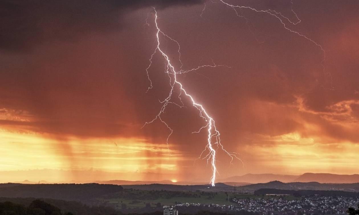 Καιρός – Έκτακτο δελτίο ΕΜΥ: Προσοχή από τις επόμενες ώρες – Πού θα «χτυπήσουν» ισχυρά φαινόμενα 1