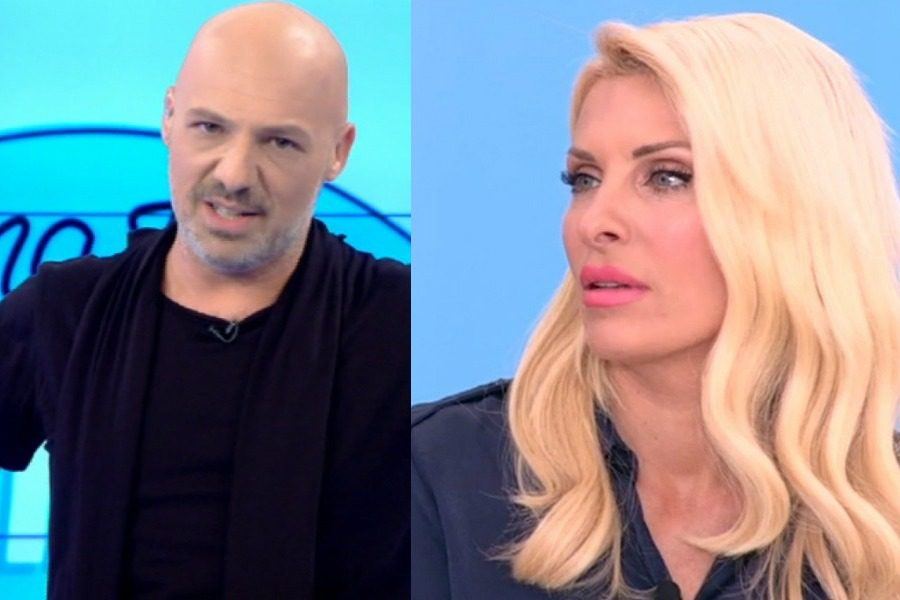 O Μουτσινάς προκάλεσε την Ελένη Μενεγάκη για πρώτη φορά 10