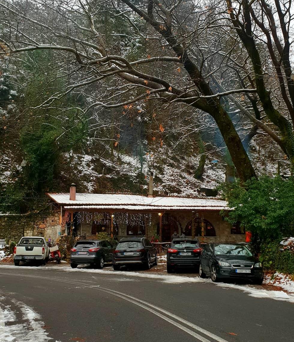 Χιονίζει στο κέντρο της Καλαμάτας 3