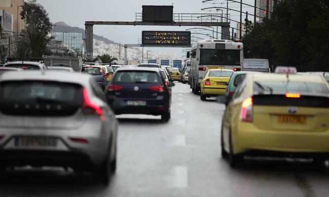 Έρχονται πρόστιμα 400 εκατ. ευρώ για ΚΤΕΟ και ανασφάλιστα 25
