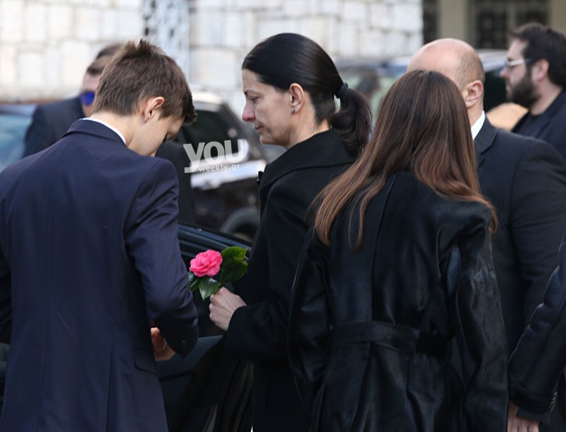 Κηδεία Αναστασιάδη: Σε τραγική κατάσταση η γυναίκα και τα παιδιά του στο τελευταίο αντίο! 12