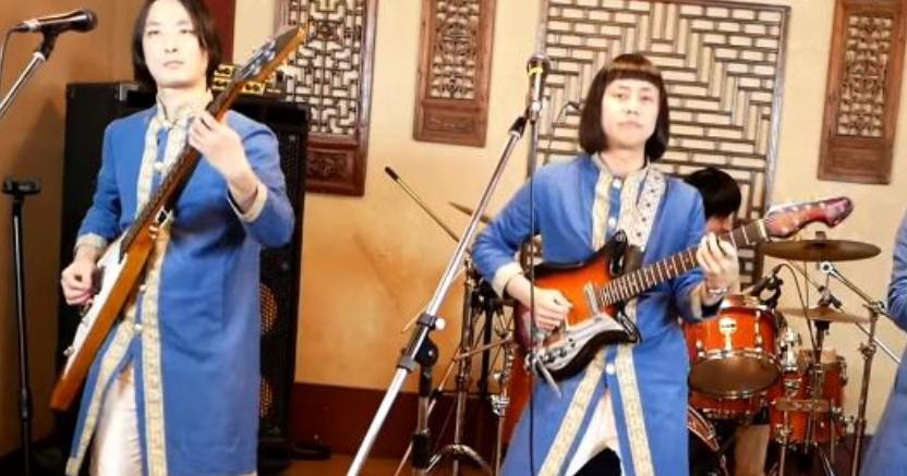 Κλάμα: Γιαπωνέζοι τραγουδούν τα «Καγκέλια» και ρίχνουν γυροβολιές [βίντεο] 1