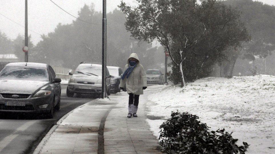 Καιρός: Χιόνια, τσουχτερό κρύο και κατακόρυφη πτώση της θερμοκρασίας 1