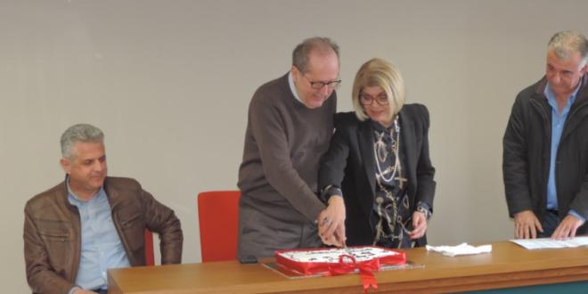 Ο Νίκας έκοψε για τελευταία φορά την πίτα των εργαζομένων στον Δήμο Καλαμάτας