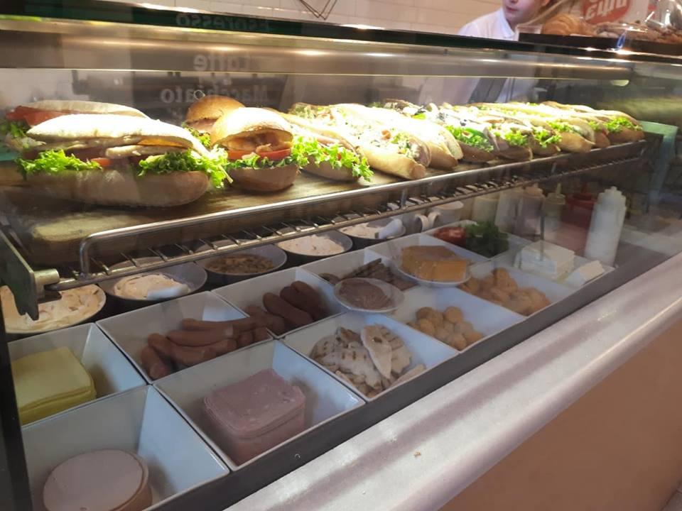 Για σνακ, γλυκό και καφέ «Μαυροειδής» Έναντι επειγόντων νοσοκομείου Καλαμάτας 6
