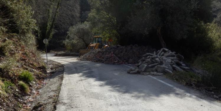 Συνεχίζονται τα έργα αποκατάστασης του οδικού δικτύου στην Αλαγονία 23