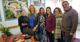 Τούρτα έκπληξη και ευχές για τα γενέθλια στην Αντωνία Μπούζα