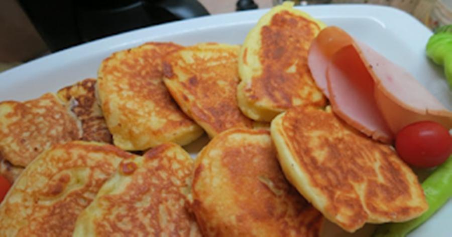 Αφράτες και ελαφριές τηγανίτες γιαουρτιού για να φαγωθούν με τυριά, μέλι ή και μαρμελάδα 38