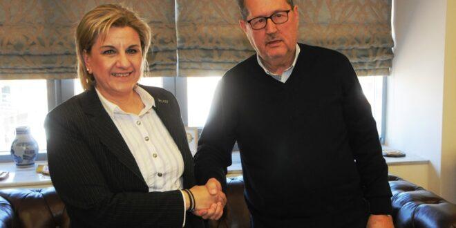 Η Ελένη Αλειφέρη συναντήθηκε και συζήτησε με τον Νίκα για θέματα του δήμου Καλαμάτας