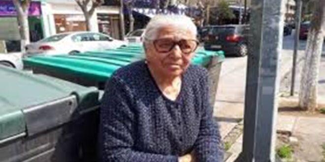 Χειροπέδες σε 90χρονη που πουλούσε παντόφλες στη λαϊκή