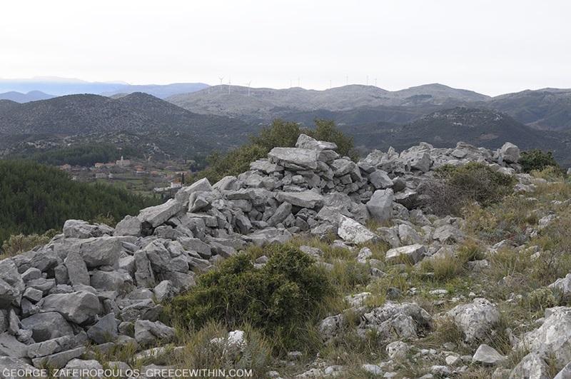 Οι φυσιολάτρες του Συλλόγου Πεζοπόρων - Ορειβατών Καλαμάτας ''Ο Ευκλής''στα ''Κολοκοτρωναίικα ταμπούρια''. 1