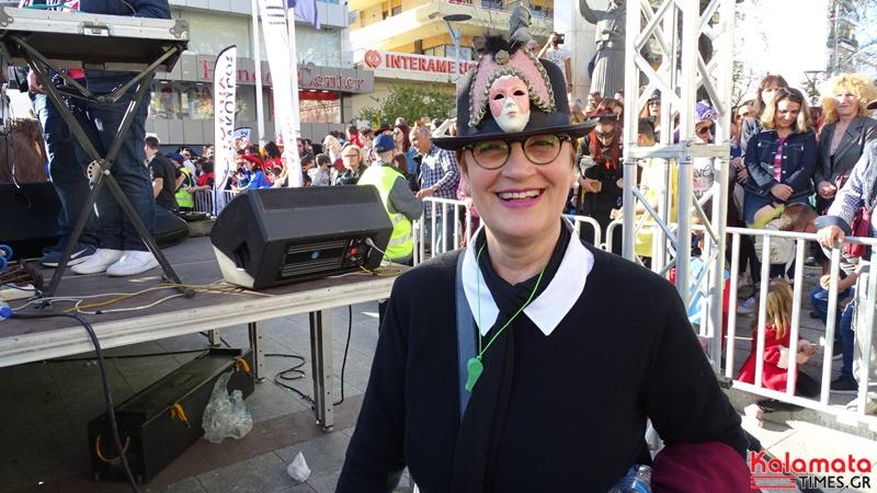 Εντυπωσιακές φωτογραφίες από την καρναβαλική παρέλαση του 7ου καλαματιανού καρναβαλιού 28