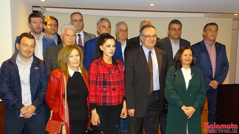 «ΚΑΛΑΜΑΤΑ ΜΠΡΟΣΤΑ» O Βασίλης Κοσμόπουλος παρουσίασε 14 νέους υποψήφιους 36