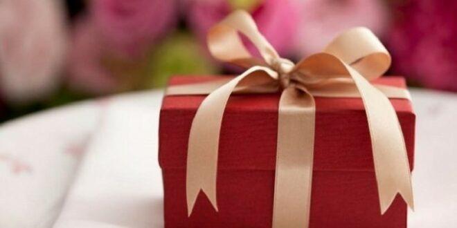 Ποιοι γιορτάζουν σήμερα, Παρασκευή 24 Μαΐου, σύμφωνα με το εορτολόγιο;
