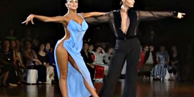 Ακόμη και οι κριτές δεν μπορούσαν να πάρουν τα μάτια τους από το φόρεμα της (vid)