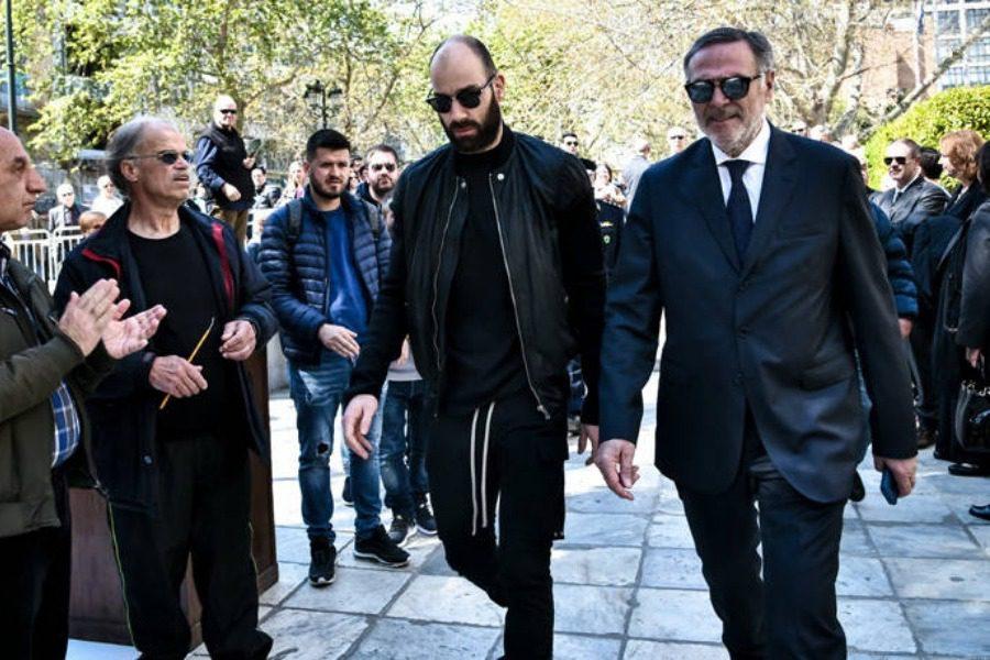 Χειροκροτήματα στην κηδεία του Θανάση Γιαννακόπουλου για τον Σπανούλη 8