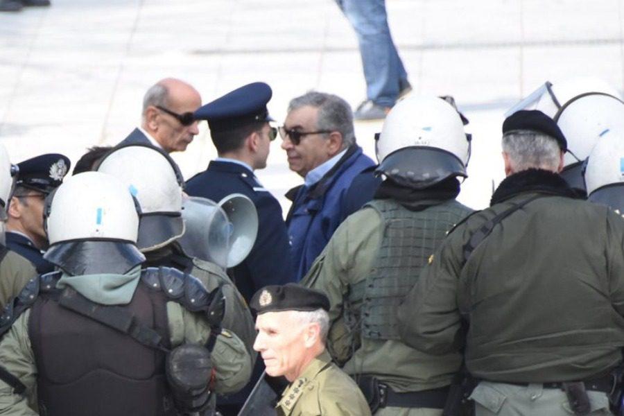 Συλλήψεις πολιτών για την Συμφωνία των Πρεσπών στην παρέλαση της Αθήνας 12