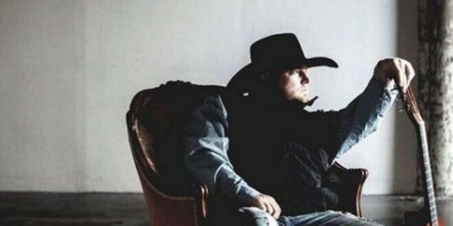 Σοκ: Νεκρός ο τραγουδιστής Τζάστιν Κάρτερ