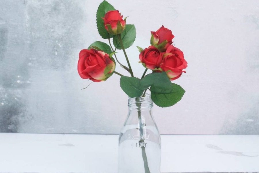 H μαγική συνταγή για να διατηρούνται τα λουλούδια στο βάζο 2