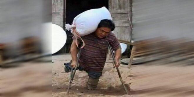 Δεν έχει πόδια αλλά καθημερινά μεταφέρει ασήκωτα σακιά για να ταΐσει τα παιδιά του.