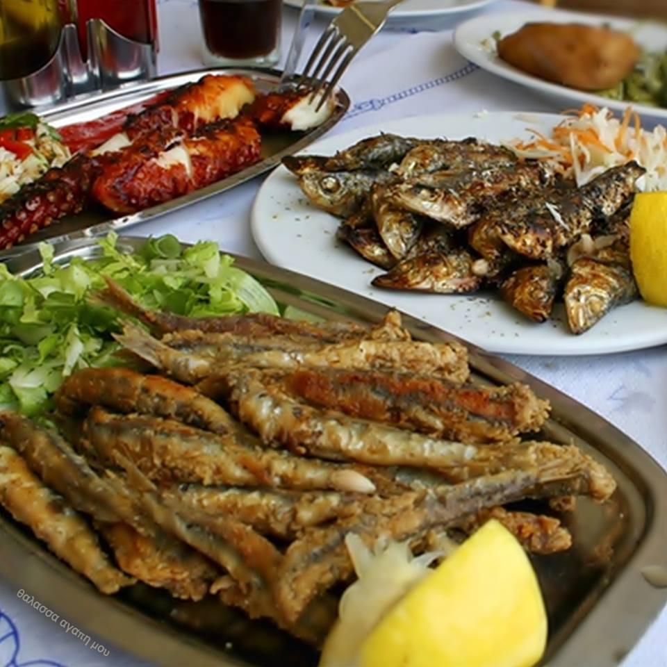 Κυριακή των βαϊων για θαλασσινά και ουζάκι Αριστοτέλειο