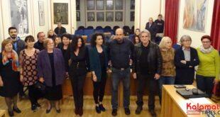 o Δημήτρης Οικονομάκος ανακοίνωσε 15 υποψήφιους  με τη Λαϊκή Συσπείρωση