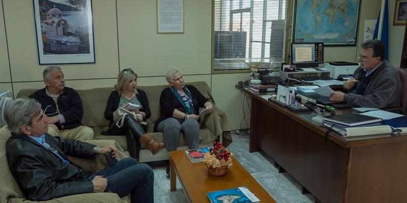 Η Μαρία Οικονομάκου και μέλη του «Καλαμάτα Ξεκινάμε» επισκέφτηκαν τον αερολιμενάρχη Καλαμάτας 3