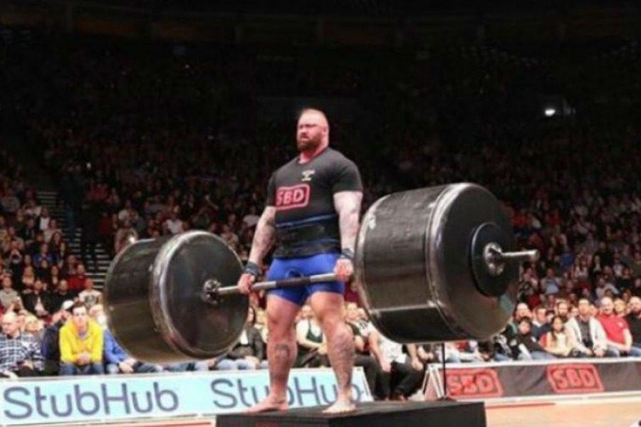 Το «Βουνό» του Game Of Thrones σηκώνει για πλάκα 350 κιλά με deadlifts 1