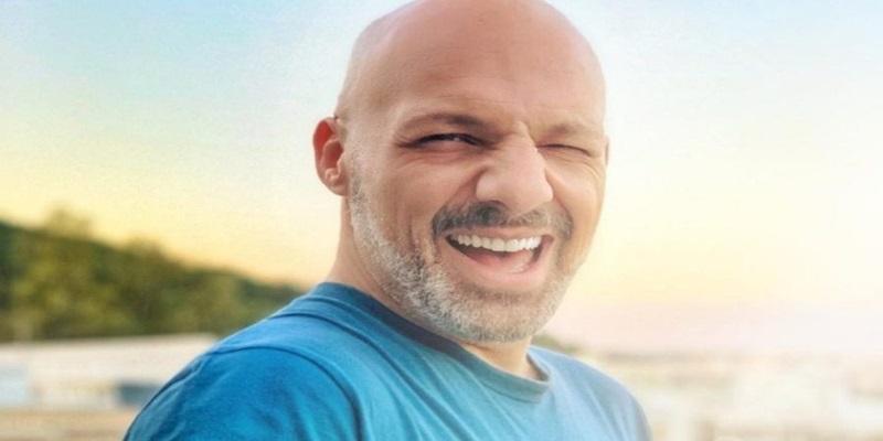 Ξυρίστηκε ο Νίκος Μουτσινάς και έγινε άλλος άνθρωπος 12