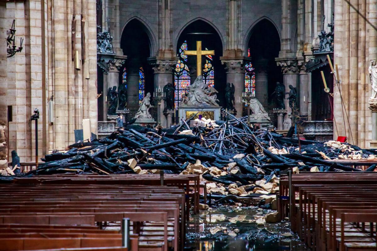 Παναγία των Παρισίων: Ίλιγγος – 750 εκατομμύρια ευρώ ήδη από δωρεές. 4