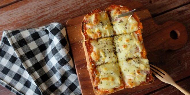 Πίτσα με ψωμί του τοστ
