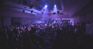 Βόλος: Στο νοσοκομείο 27 άτομα μετά το «πάρτι της χρονιάς»