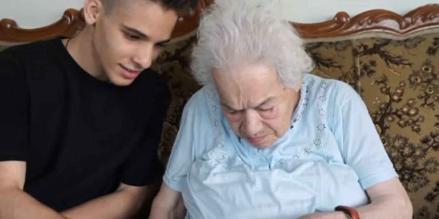 Ανέκδοτο: Ο εγγονός με τη γιαγιά του 4