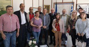 Συνάντηση του Μανώλη Μάκαρη με τον αστυνομικό διευθυντή Μεσσηνίας Παναγιώτη Πούπουζα