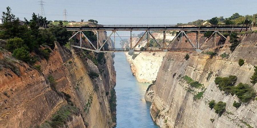 Γυναίκα έκανε βουτιά θανάτου από τη γέφυρα του Ισθμού Κορίνθου 33