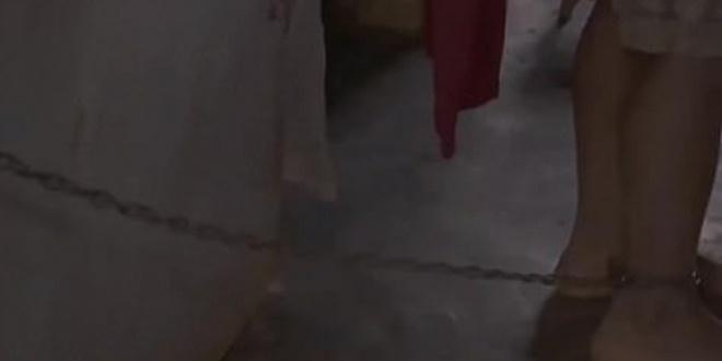 Γονείς κρατούσαν αλυσοδεμένο το πεντάχρονο επιληπτικό παιδί τους 1