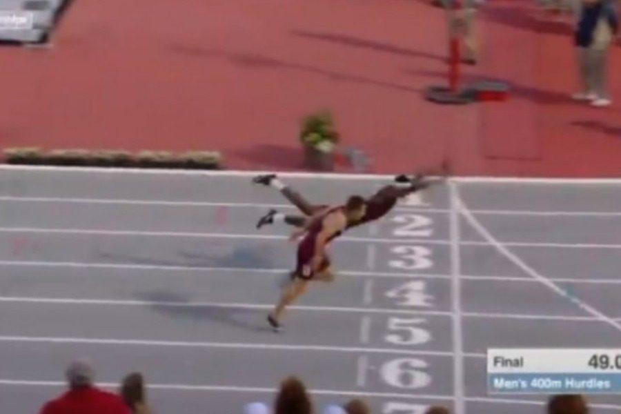 Αθλητής έπεσε με τα μούτρα για να κερδίσει αγώνα μετ` εμποδίων 15